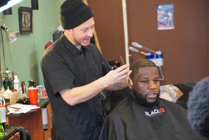 dees cutz barbershop img-25
