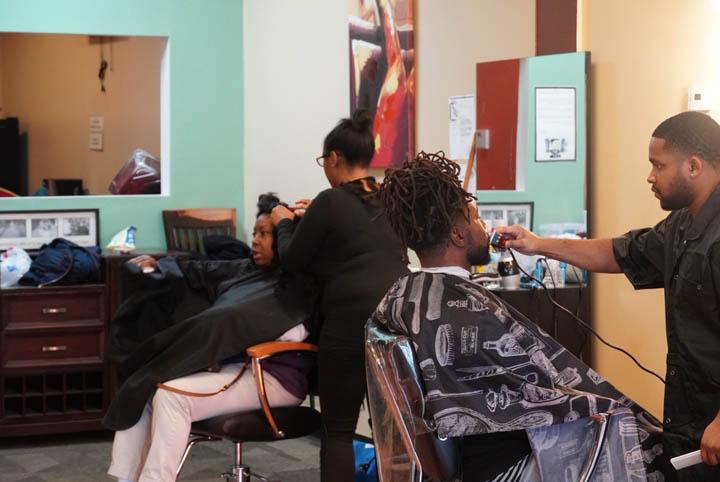 dees cutz barbershop img-30