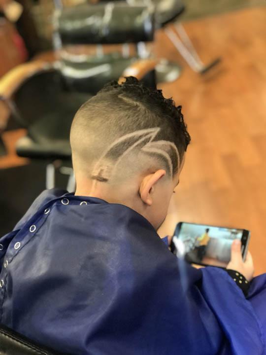 dees cutz barbershop img-49